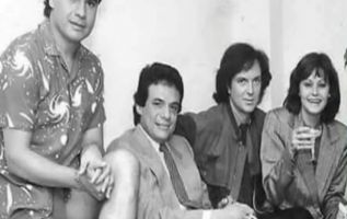 Las cuatro leyendas de la música se reunieron por la inauguración de las oficinas de Ariola, una disquera importante de la época.