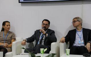 """Gronneberg, CEO de la empresa Ichthion, estuvo en el conversatorio """"La mejor respuesta a las amenazas del cambio climático: Innovación""""."""