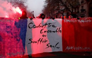 Francia se encuentra inmersa en un segundo día consecutivo de huelgas contra una reforma del sistema de pensiones.  Foto: Reuters