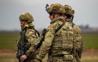 La mayoría de los 1.500 soldados estadounidenses en la base habían sido escondidos en búnkers. Foto: AFP
