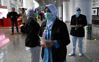 Unos 922 pacientes estaban en observación en los hospitales chinos, según las autoridades sanitarias. Foto: AFP