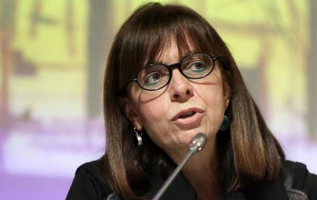El Parlamento heleno eligió hoy la candidatura de la jueza Ekaterini Sakelaropulu. Foto: Twitter.