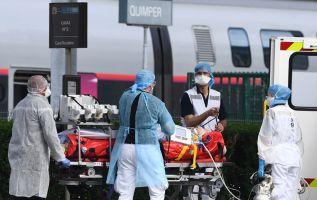 Un médico francés narra cómo ha sido el día a día en un hospital público de París. Foto: AFP.