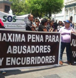"""Los organizadores se reunieron el miércoles y """"acordaron exigir programas integrales de prevención del abuso a menores en los planteles"""". Foto: Twitter"""
