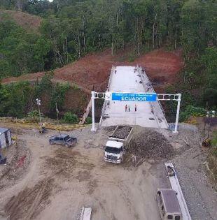 Puente internacional sobre el río Mataje. Foto: archivo Ministerio de Transporte y Obras Públicas