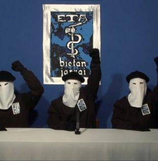 ETA se formó bajo Franco, acusado de reprimir la cultura vasca, pero después de la muerte del dictador intensificó sus acciones. Foto: Reuters