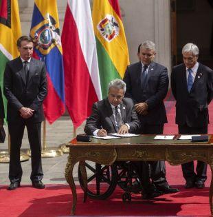 La declaración fue firmada en la sede del Gobierno de Chile, el palacio de La Moneda. Foto: AFP