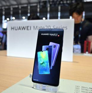 La compañía trabaja en un sistema que permita a un teléfono Huawei descargar y ejecutar sin problemas las aplicaciones de Android. Foto: AFP