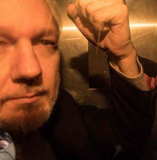La justicia estadounidense ha presentado 18 cargos contra Assange y solicitó la extradición del activista. Foto: AFP
