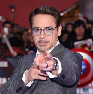 Robert John Downey Jr. interpretó a Iron Man.
