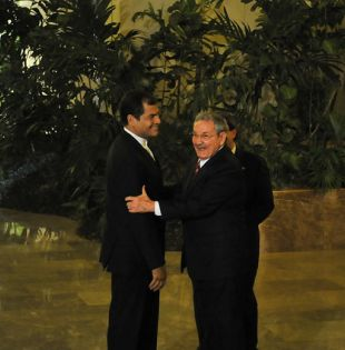 """El anterior viaje del político ecuatoriano a Cuba data de abril de 2018 cuando grabó en La Habana el programa de entrevistas """"Conversando con Correa""""(Foto archivo)"""