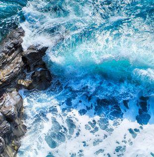 Aún si el mundo lograra limitar el calentamiento a +2 °C, las aguas podrían invadir poblaciones de 280 millones de personas.  Foto: Pixabay.