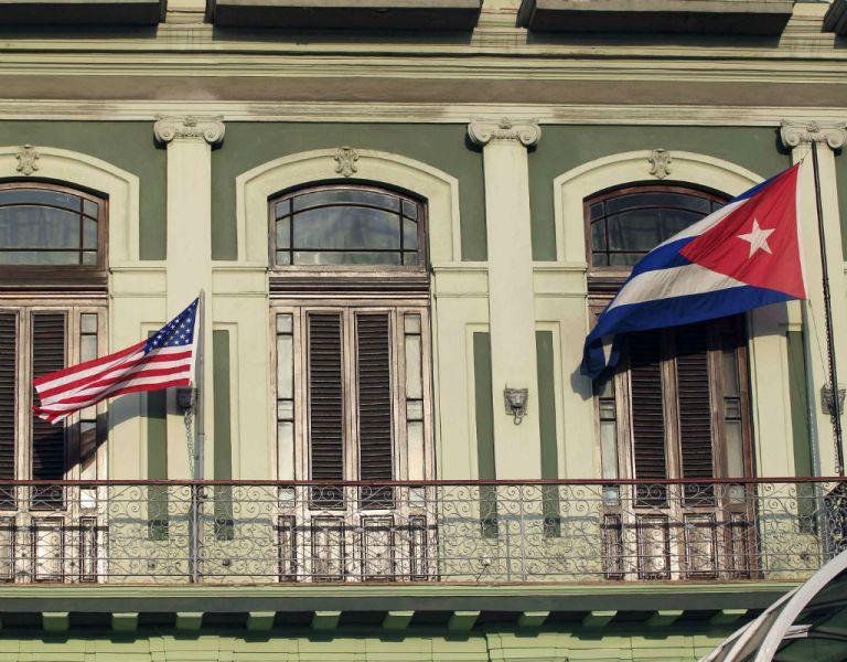 El sondeo de la FAU muestra que el 43% de hispanos en EEUU se opone al embargo a Cuba. Foto: REUTERS