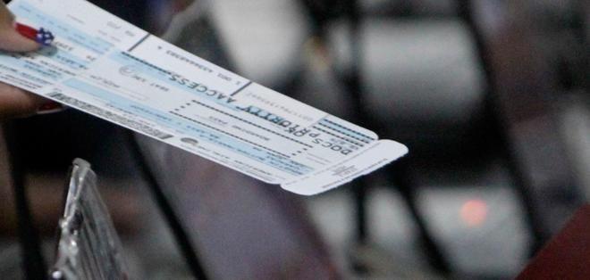 Según el Ministerio de Turismo, su cobro servirá para fortalecer vías, aeropuertos, entre otros. Foto: Archivo / Ecuavisa