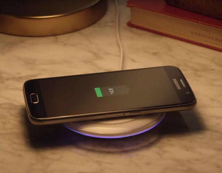 Samsung incorpora la opción de carga inalámbrica en los nuevos Galaxy S6.