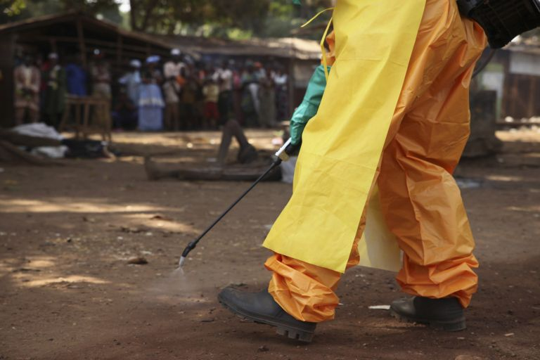 Ninguno de los otros voluntarios que trabajaban en Sierra Leona con el paciente infectado han dado positivo. Foto: Archivo / REUTERS