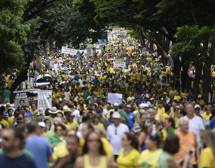 En Sao Paulo se registró la mayor concentración de personas en las protestas de este domingo. Foto: AFP