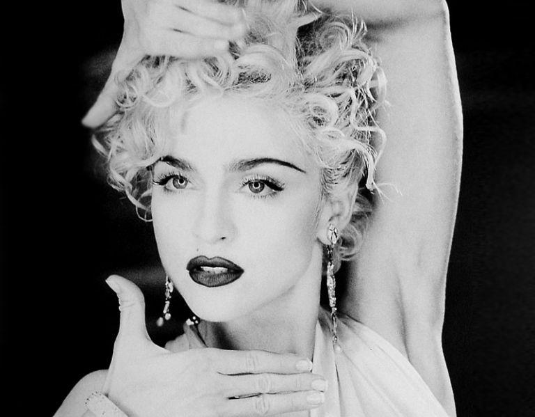 """En 1990, Madonna triunfó en el mundo entero con su canción """"Vogue"""", cuyo videoclip fue realizado por David Fincher."""