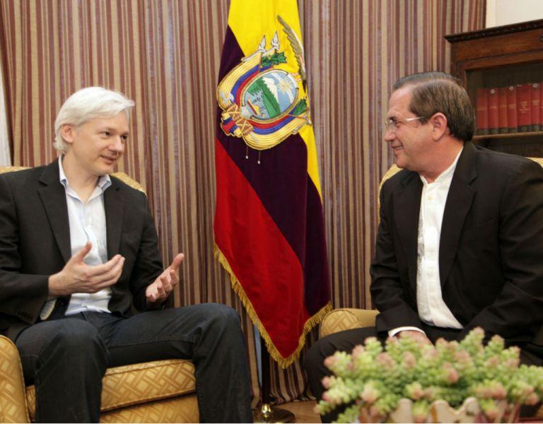 Patiño dijo que Ecuador no ha mantenido contactos con EE.UU. con relación al caso de Assange.