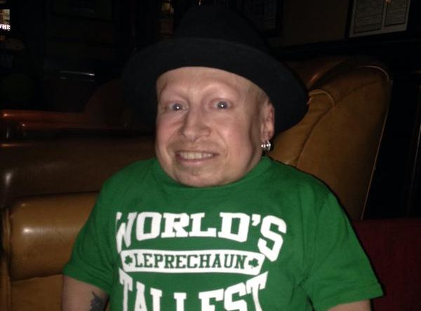 """Verne Troyer esconocido por interpretar a Mini-Me en película """"Austin Powers""""."""