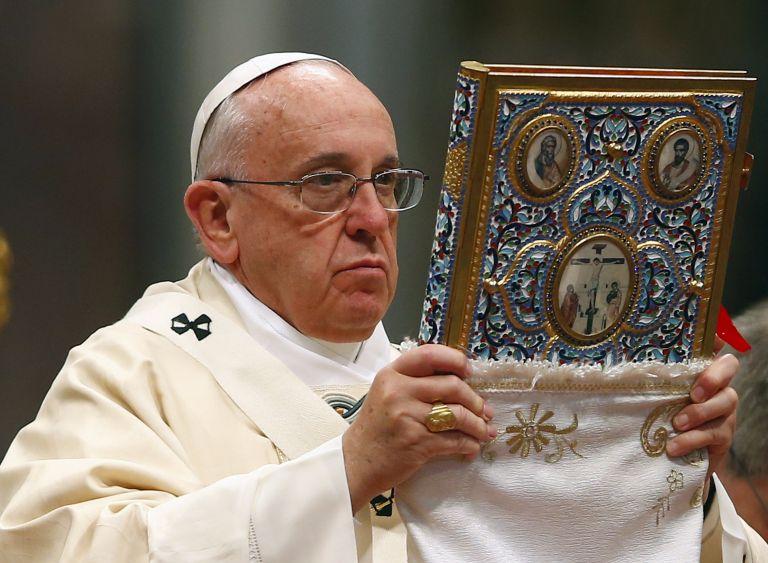 """El pontífice dijo que los cristianos deben pedir """"la gracia de la pobreza"""". Foto: REUTERS."""