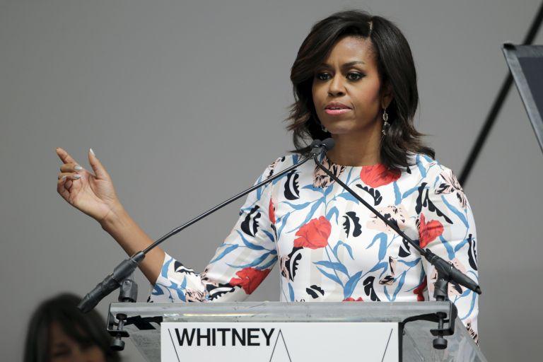 """En su alocución, emitida por la cadena de noticias CNN, Michelle Obama recordó una portada de revista en la que la dibujaron con un """"enorme peinado 'afro'"""". Foto: Archivo / REUTERS."""