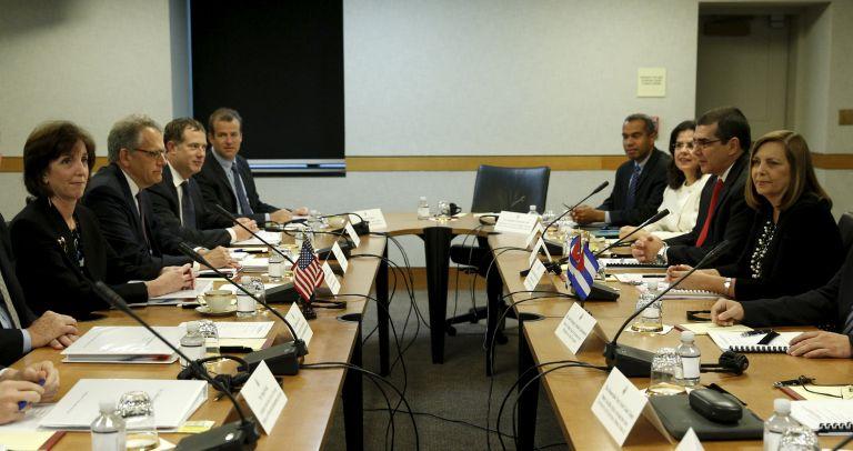 Roberta Jacobson y Josefina Vidal participan en el encuentro en Washington. Foto: REUTERS.