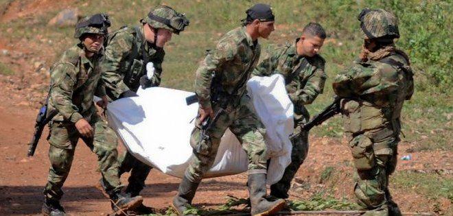 La operación, en la que intervinieron la Fuerza Aérea, el Ejército y la policía, dejó 18 guerrilleros muertos y dos heridos. Foto: Ecuavisa.com