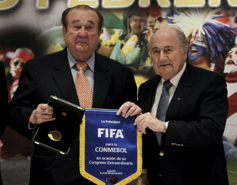 Nicolás Leoz junto al suizo Joseph Blatter. Foto: REUTERS