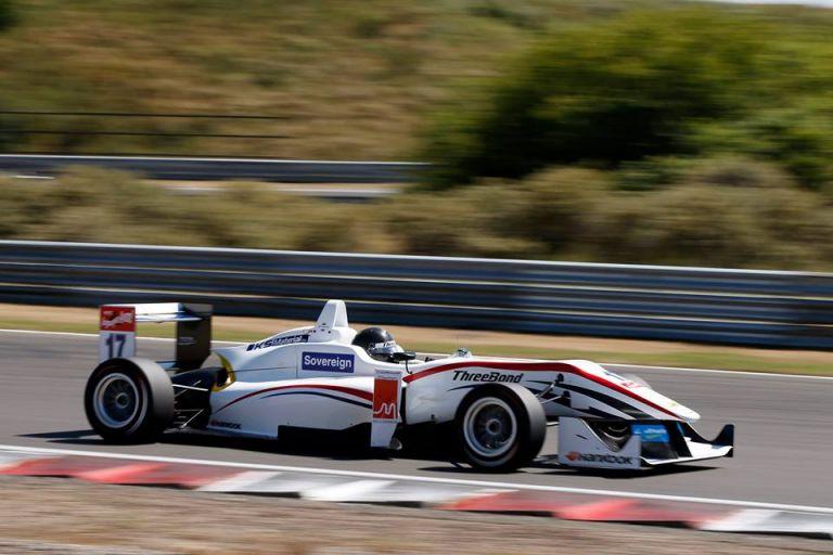 ulio Moreno calcula que llegar a la F1 le tomará unos cuatro años, aunque no le preocupa el tiempo.