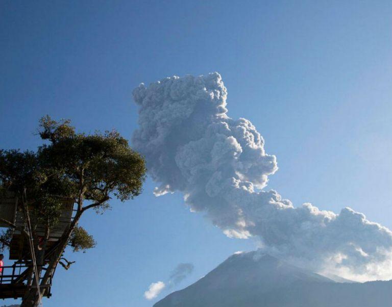 El Tungurahua se encuentra en proceso eruptivo desde 1999. Foto: REUTERS