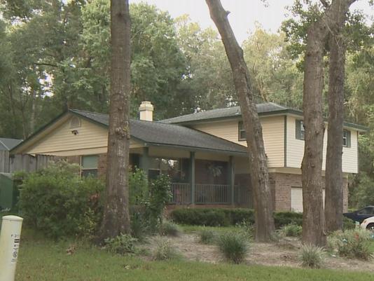 La casa del hombre detenido en Orange Park. Foto: First Coast News.