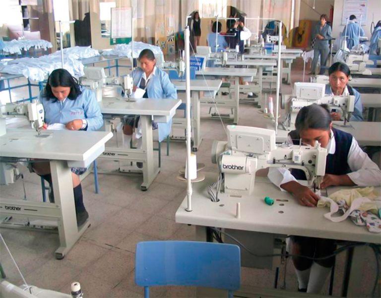 El bachillerato técnico debe estar disponible en 140 colegios del país para el próximo año.