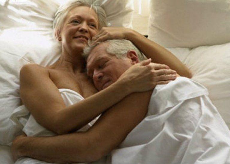 El estrés y los esfuerzos de una relación sexual son más exigentes con la edad. | Foto:Internet