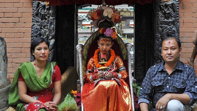 A la diosa Kumari no se le permite salir de su residencia, excepto para asistir a festivales sagrados. Foto: AFP.