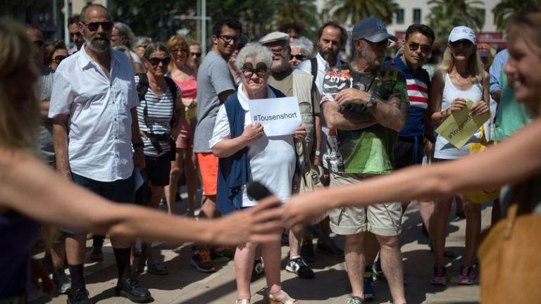 TOULON, Francia.- Varias personas protestaron contra la agresión a las mujeres bajo el eslogan #TousEnShort (Toulon en short). Foto: Le Figaro.
