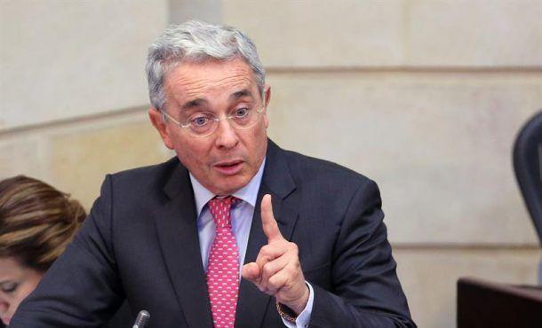 """El diario neoyorquino instó al exmandatario colombiano a empezar a comportarse como un """"hombre de estado""""."""