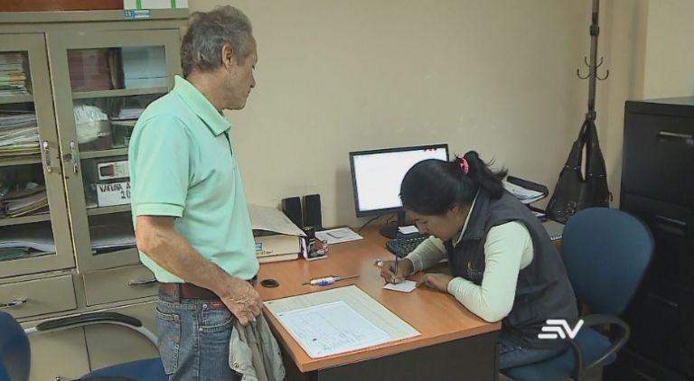 Médicos recomiendan a residentes de Costa y Sierra no automedicarse. Foto: Captura de video.
