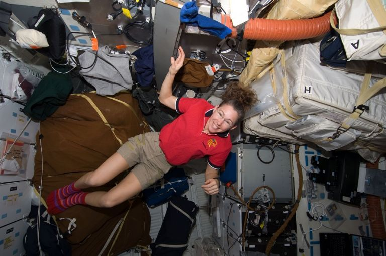 Sandra Magnus tiene 52 años, es una astronauta estadounidense retirada que ha viajado hasta en tres ocasiones al espacio (2002, 2008 y 2011) . Foto: Wikimedia.