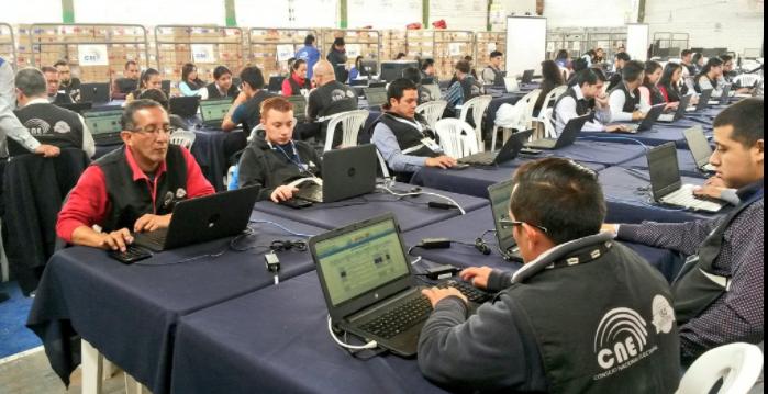 Datos preliminares indican que el SI en la Consulta sobre Paraísos Fiscales gana en 18 de las 24 provincias. Foto: CNE Tungurahua