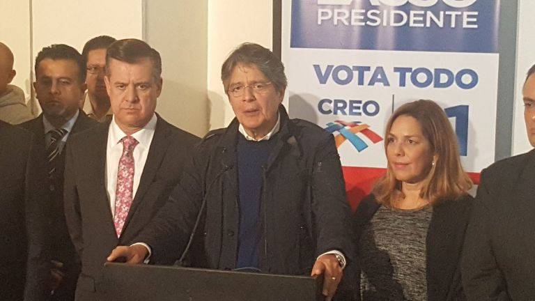 Guillermo Lasso, candidato de CREO expresó su postura frente a los cambios en las FF.AA. | Foto: Reportero de Ecuavisa.