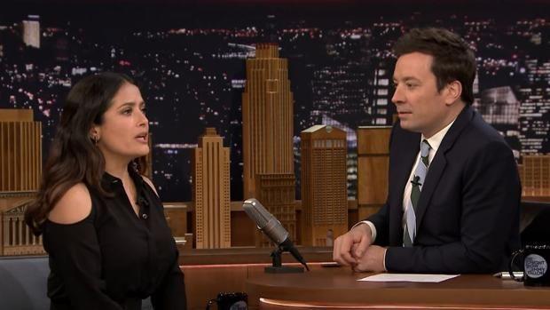 La actriz mexicana confesó a Jimmy Fallon en late show cómo reaccionó al ver a su esposo, el empresario francés François-Henri Pinault, charlar con 'una tal Elena'.