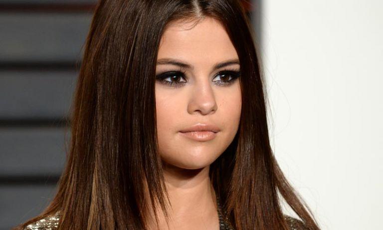 Selena mostró un corte que nunca antes había lucido. Foto: Hola