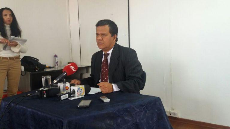 Azuero, legislador por Sucumbíos, dio hoy una rueda de prensa para anunciar su salida de la ID. Foto: TW de Corape