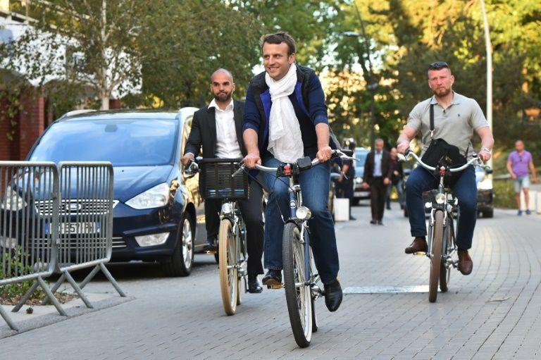 Los franceses votan este domingo bajo fuertes medidas de seguridad en la primera vuelta de las elecciones legislativas, con el movimiento del presidente Emmanuel Macron como claro favorito. Foto: AFP