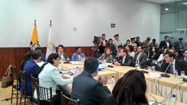 Titular del Consejo de Participación Ciudadana compareció hoy ante la Comisión de Fiscalización. Foto: TW de Asamblea