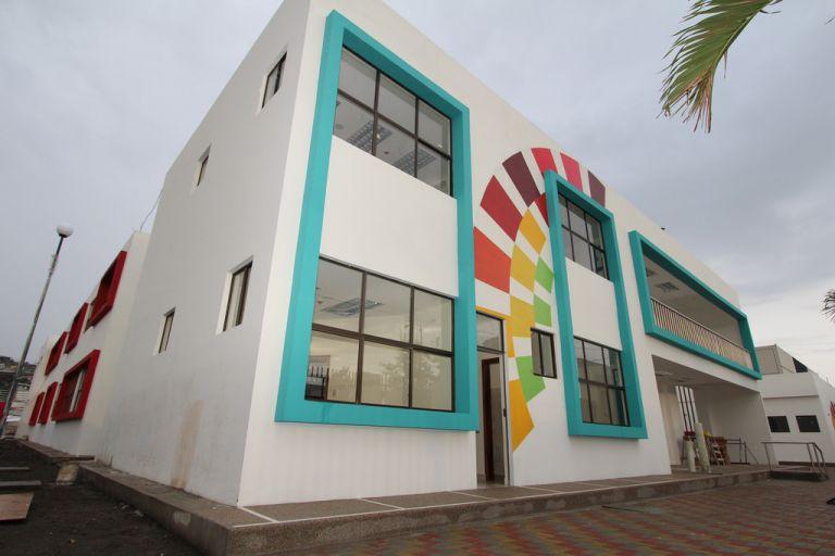 El Ministerio de Educación intervendrá la Unidad Educativa Réplica Aguirre Abad, donde se habrían registrado varios casos de abuso sexual a menores. Foto: Flickr