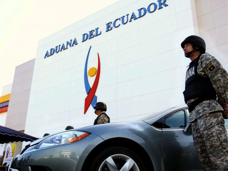Televisores, licores, máquinas caladoras, lavadoras, entre otros artículos fueron decomisados por la Aduana. Foto referencial