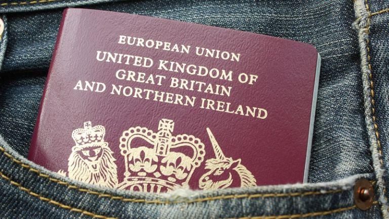 Los nuevos pasaportes adoptarían la más alta tecnología para evitar que sean falsificados. Foto: Internet