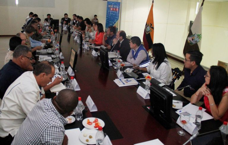 En la reunión se evaluaron los avances de la respuesta estatal respecto del estado de excepción. Foto: Ministerio Interior